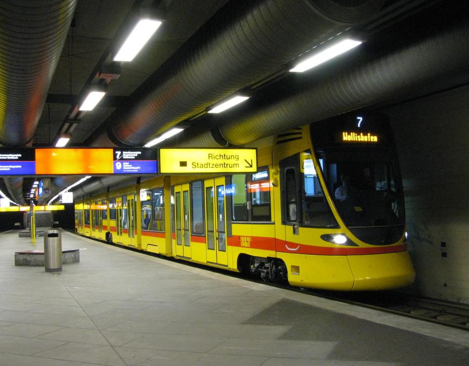 tango in tram subway