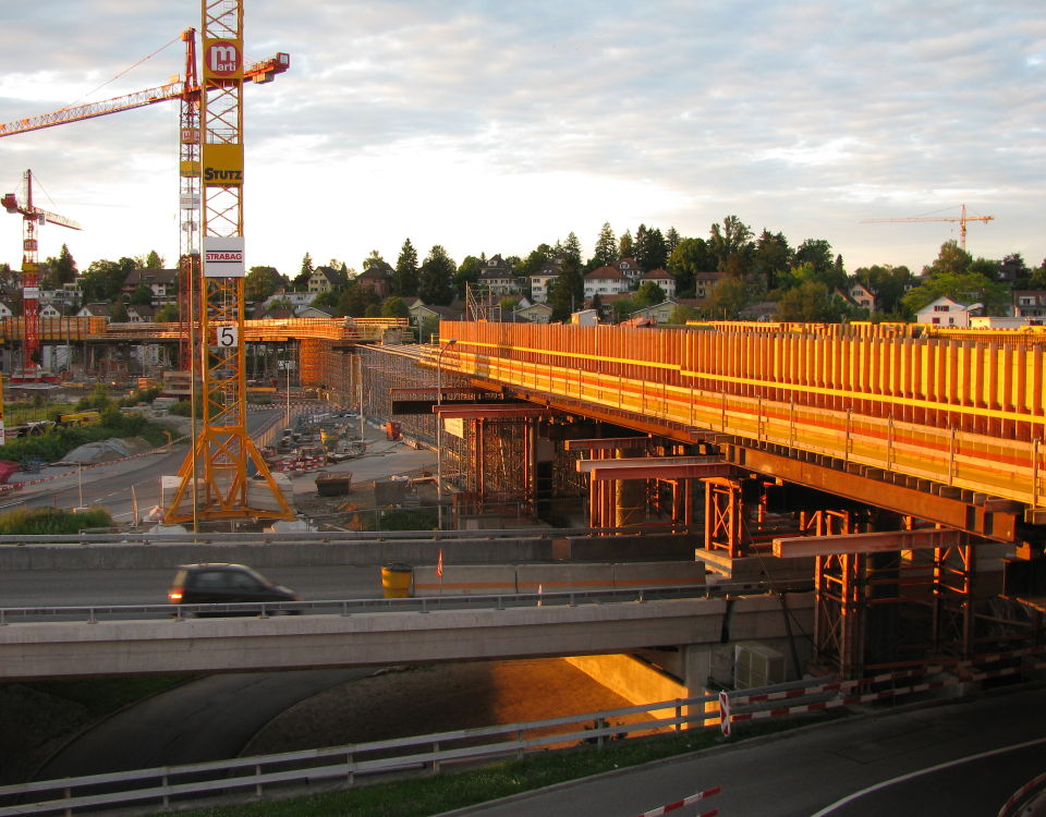 Glattalbahn at Glatt Zentrum under construction