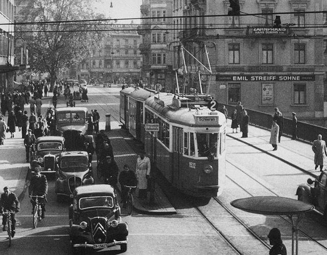 Pedaler tram